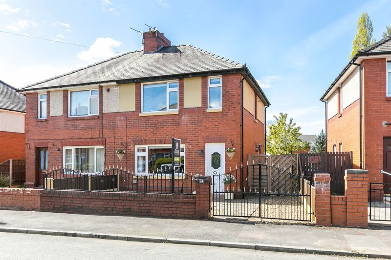 2 Bedrooms Semi Detached House for sale in Coronation Road, Standish Lower Road, WN6 8LG