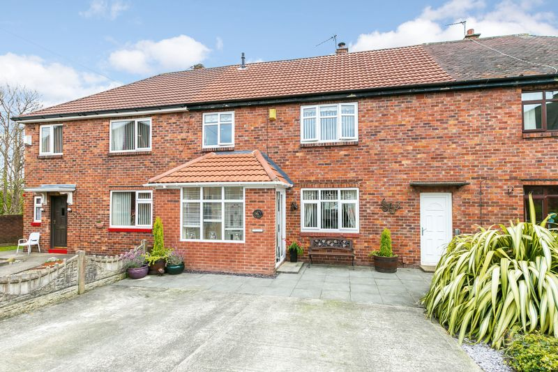 3 Bedrooms Terraced House for sale in Saddleback Road, Kitt Green, WN5 9UT
