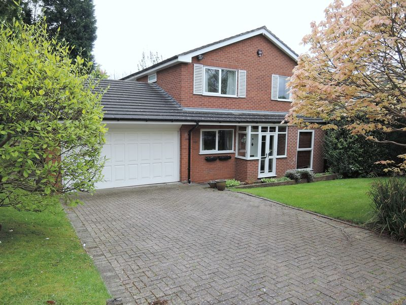 4 Bedrooms Detached House for sale in Daylesford Crescent, Cheadle