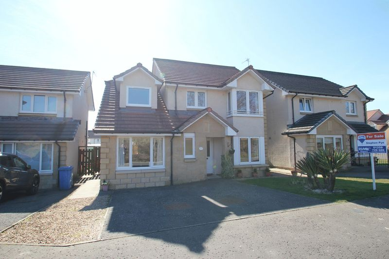 4 Bedrooms Detached House for sale in Devon Valley Drive, Alloa