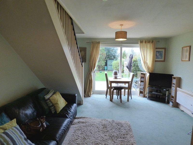 3 Bedrooms Terraced House for sale in Groveside Close, CARSHALTON