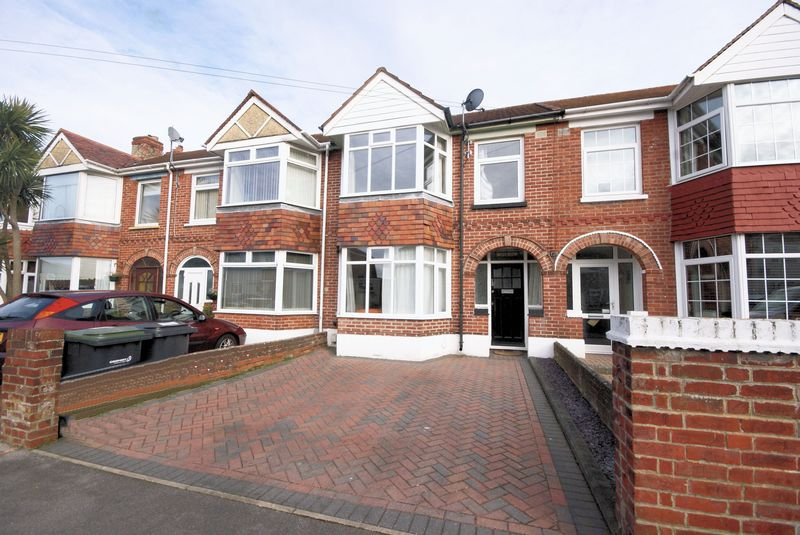 3 Bedrooms Terraced House for sale in Albemarle Avenue, Gosport