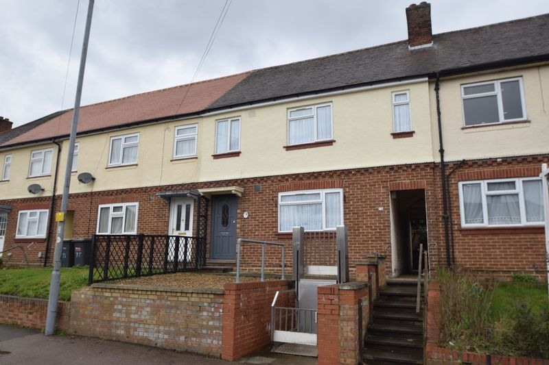 3 Bedrooms Terraced House for sale in Putteridge Road, Luton