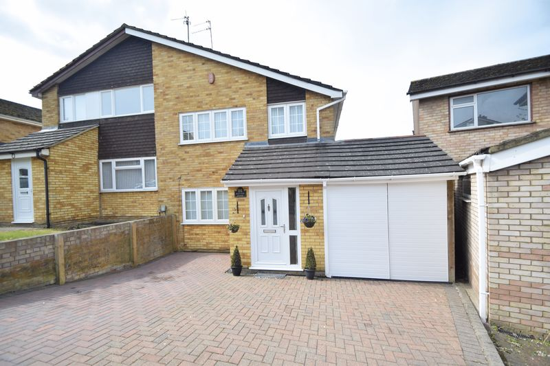 3 Bedrooms Property for sale in Ketton Close, Luton