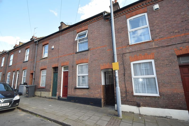 3 Bedrooms Terraced House for sale in Ridgway Road, Luton
