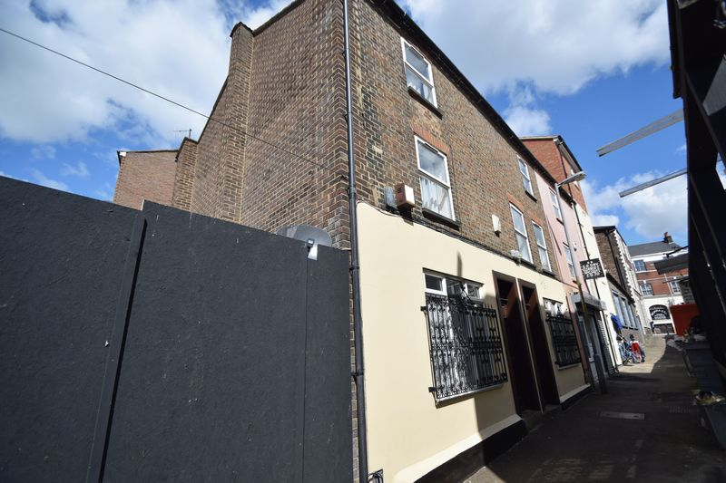 8 Bedrooms Property for sale in Barbers Lane, Luton