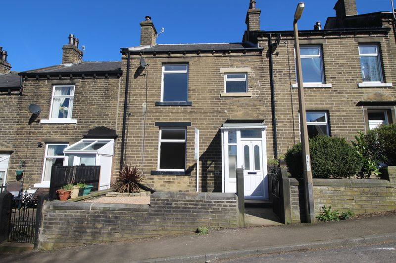 3 Bedrooms Terraced House for sale in Hullen Edge Lane, Greetland