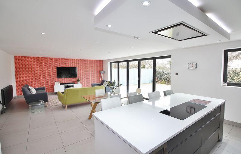 4 Bedrooms Detached House for sale in 41 Primrose Way, Carleton, FY6 7FB