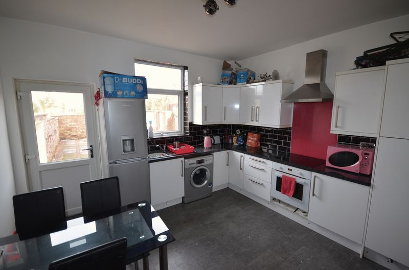 2 Bedrooms House for sale in 17 Longfield Place, Poulton Le Fylde Lancs FY6 7DB