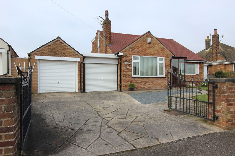 5 Bedrooms Detached Bungalow for sale in 48 Carr Head Lane, Poulton-Le-Fylde, Lancs FY6 8JA