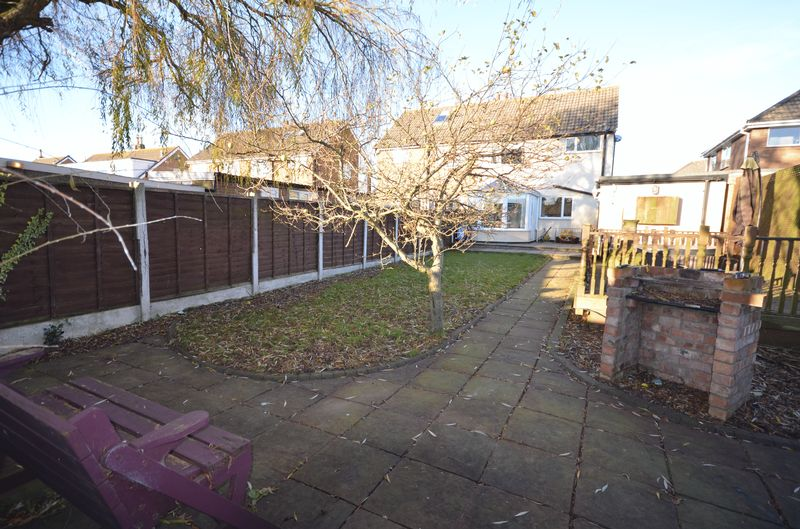 3 Bedrooms Semi Detached House for sale in 8 Summerville Avenue, Staining, Lancs FY3 0BP