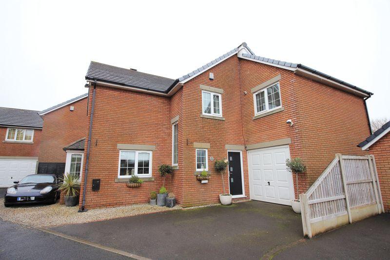 4 Bedrooms Detached House for sale in 7 Furlong Green, Thornton-Cleveleys, Lancs FY5 5PJ