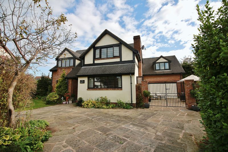 5 Bedrooms Detached House for sale in The Shambles, Minstrel Walk, Poulton-Le-Fylde, FY6 7EF