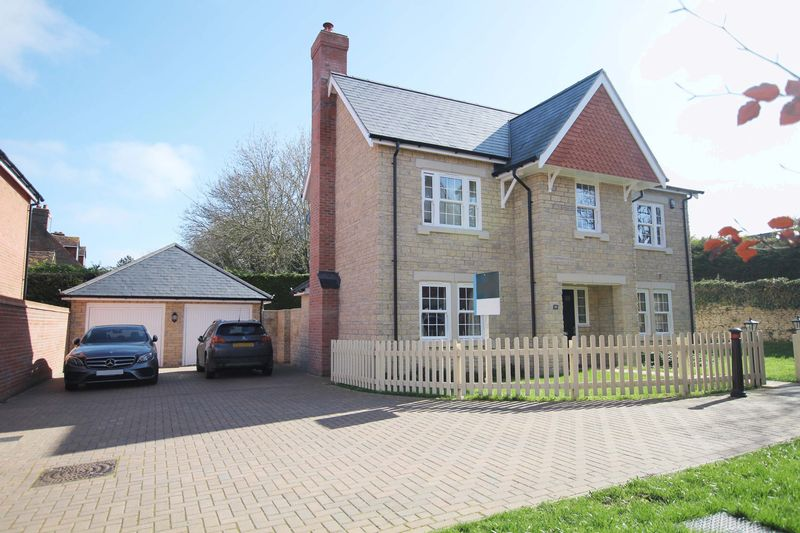 4 Bedrooms Detached House for sale in Claypit Lane, Wantage
