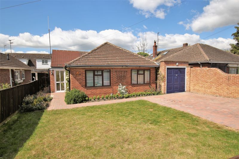 3 Bedrooms Detached Bungalow for sale in Hans Avenue, Wantage