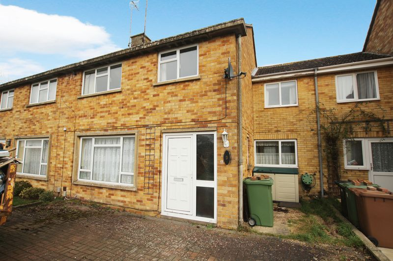 3 Bedrooms Semi Detached House for sale in Upthorpe Drive, Wantage