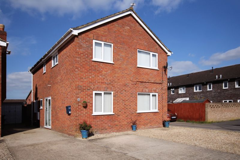 4 Bedrooms Detached House for sale in Mandarin Place, Wantage