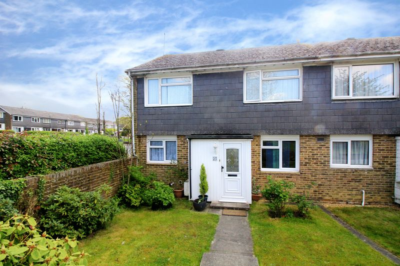 3 Bedrooms Terraced House for sale in Downland Drive, Crawley