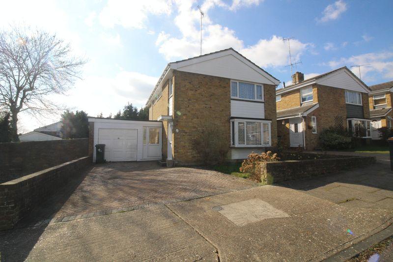 4 Bedrooms Detached House for sale in Brantridge Road, Crawley