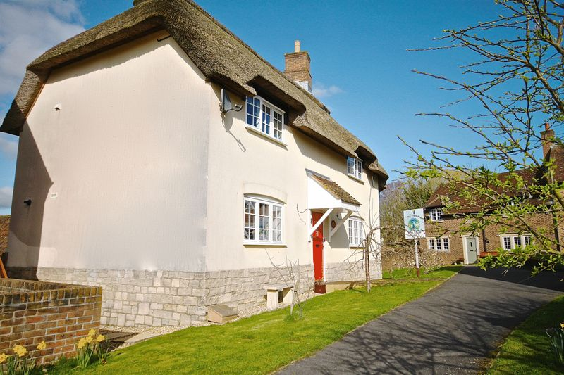 3 Bedrooms House for sale in West Stafford, Dorchester, DT2