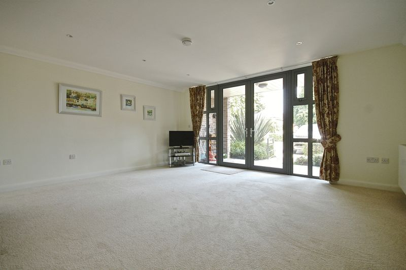 2 Bedrooms Retirement Property for sale in Chestnut Road, Charlton Down, DT2