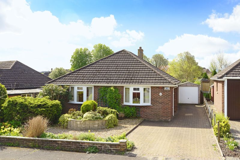 2 Bedrooms Detached Bungalow for sale in Grosvenor Crescent, Dorchester, DT1