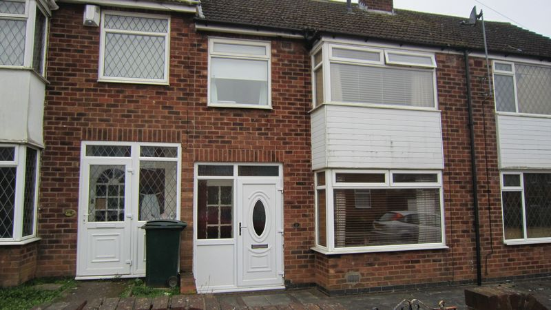 3 Bedrooms Terraced House for sale in Sunnybank Avenue, Stonehouse Estate, Coventry