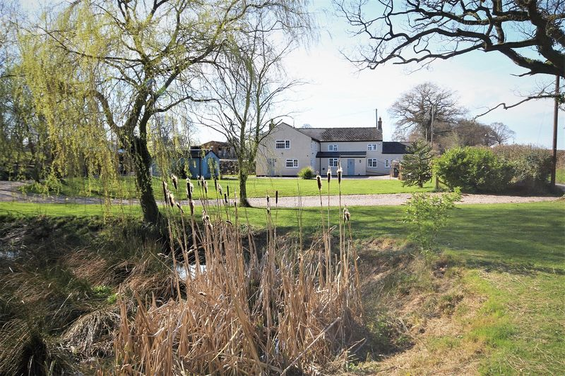 5 Bedrooms Detached House for sale in Catterals Lane, Broughall
