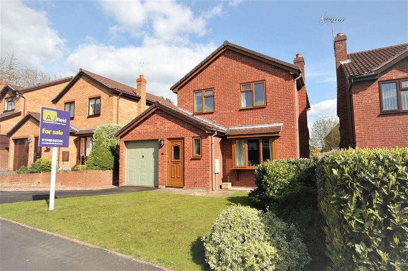 3 Bedrooms Detached House for sale in Neufchatel Close, Whitchurch