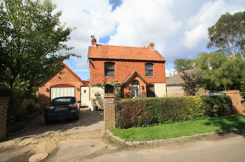 Woodcote - Potential For 3/4 Bedrooms, R...