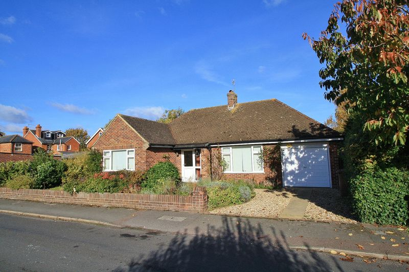 2 Bedrooms Detached Bungalow for sale in CHOLSEY