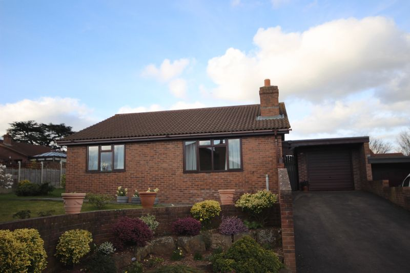 2 Bedrooms Detached Bungalow for sale in Ross-on-Wye