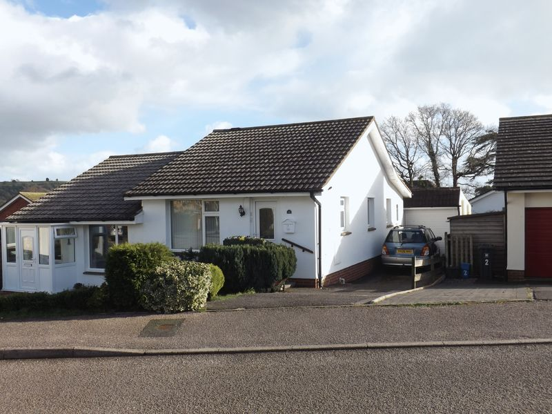 2 Bedrooms Semi Detached Bungalow for sale in Drovers Way, Seaton