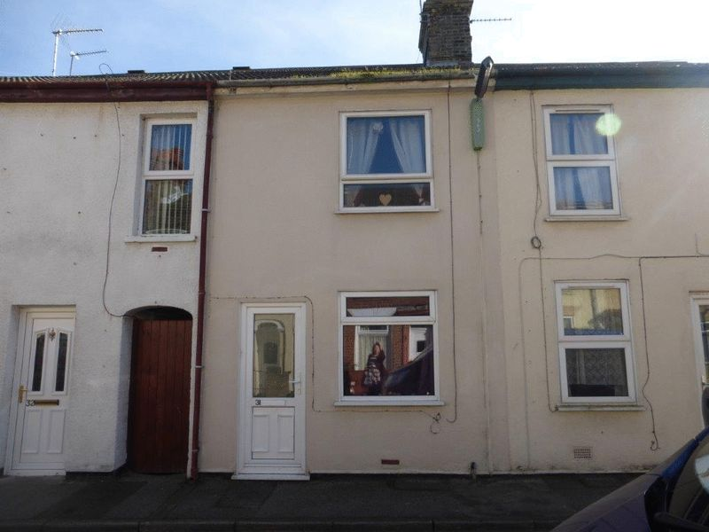 2 Bedrooms Terraced House for sale in Alma Road, Lowestoft