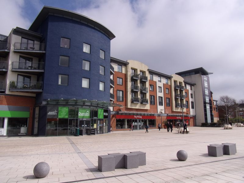 2 Bedrooms Flat for sale in The Forum, Horsham