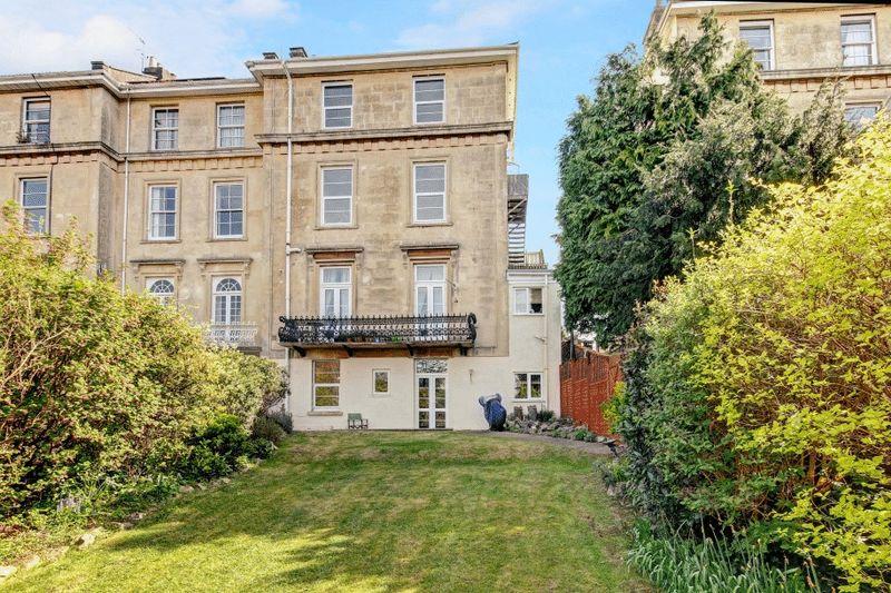 2 Bedrooms Flat for sale in Westbury Road, Westbury-on-Trym