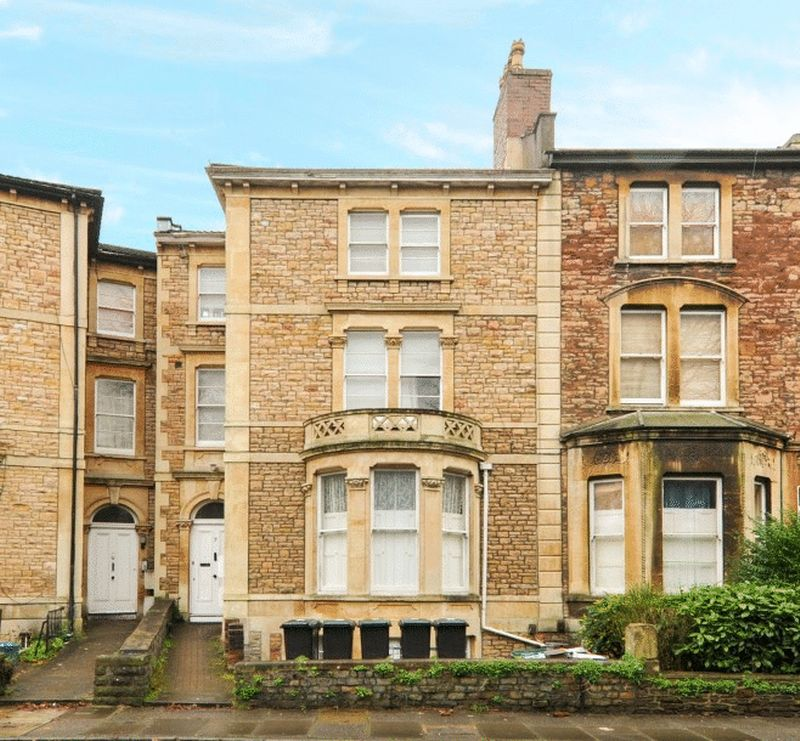 3 Bedrooms Flat for sale in Whatley Road, Clifton