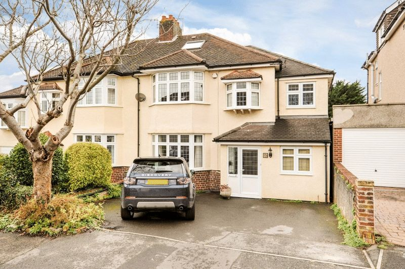4 Bedrooms Semi Detached House for sale in Downs Cote Drive, Westbury-on-Trym