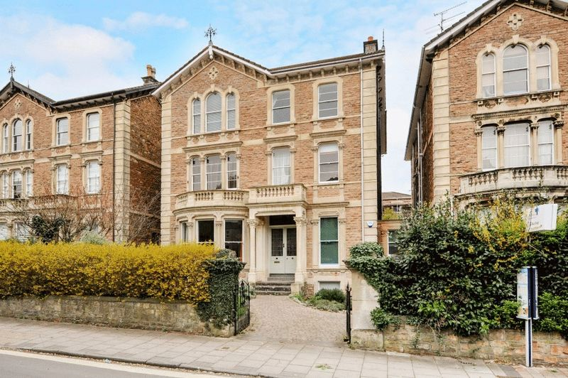 3 Bedrooms Flat for sale in Pembroke Road, Clifton