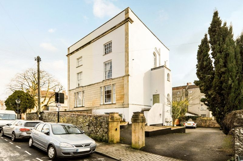 1 Bedroom Flat for sale in Wellington Park, Clifton