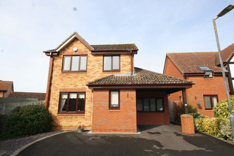 3 Bedrooms Detached House for sale in The Nurseries, Bishops Cleeve, Cheltenham