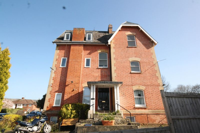 1 Bedroom Flat for sale in Hayes Road, Pittville, Cheltenham
