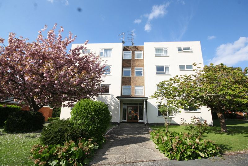 2 Bedrooms Flat for sale in Belworth Court, Hatherley, Cheltenham