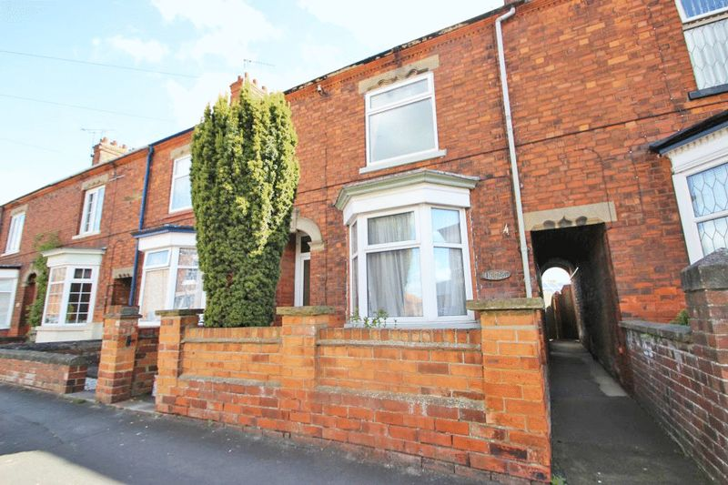 2 Bedrooms Terraced House for sale in MARSH LANE, BARTON-UPON-HUMBER