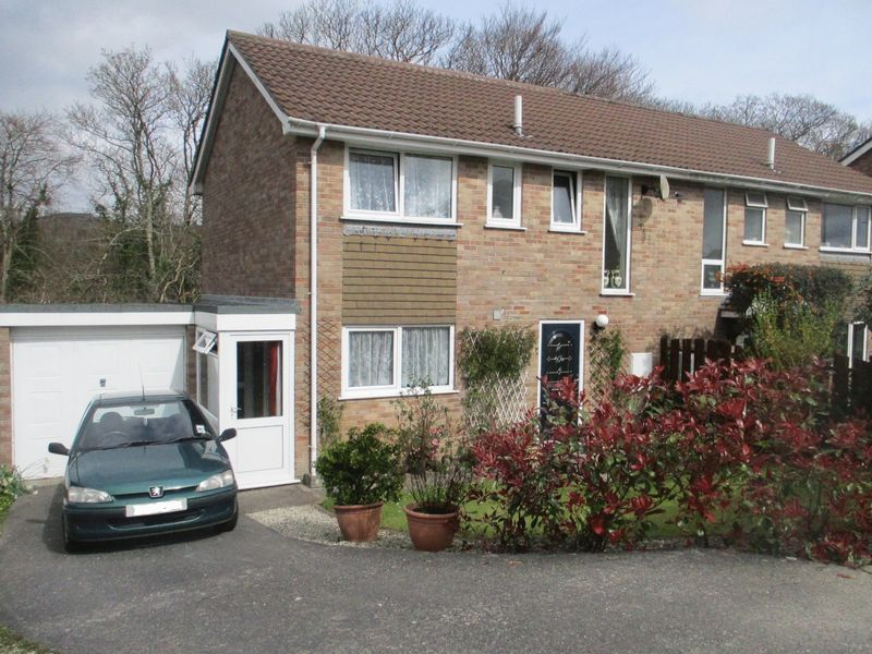 3 Bedrooms Semi Detached House for sale in Higher Woodside, St. Austell