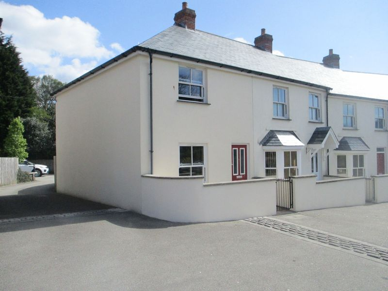 2 Bedrooms House for sale in Chapmans Way, St. Austell