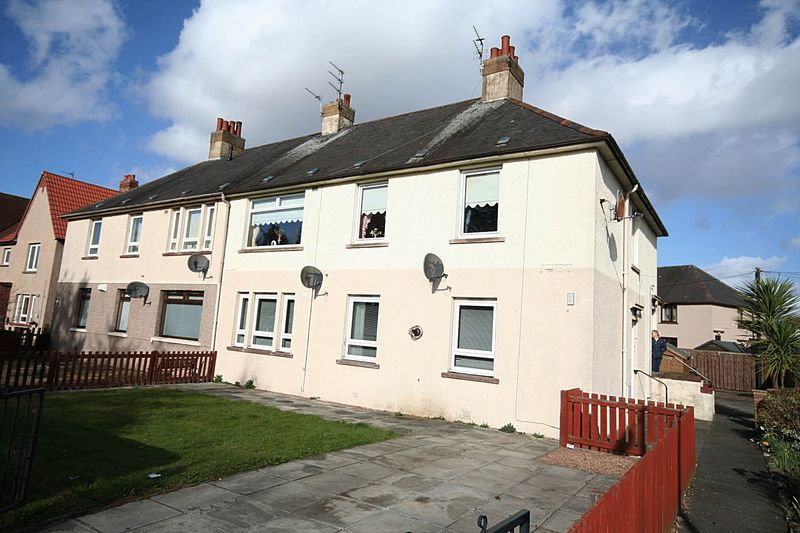 3 Bedrooms Flat for sale in Sea Road, Methil