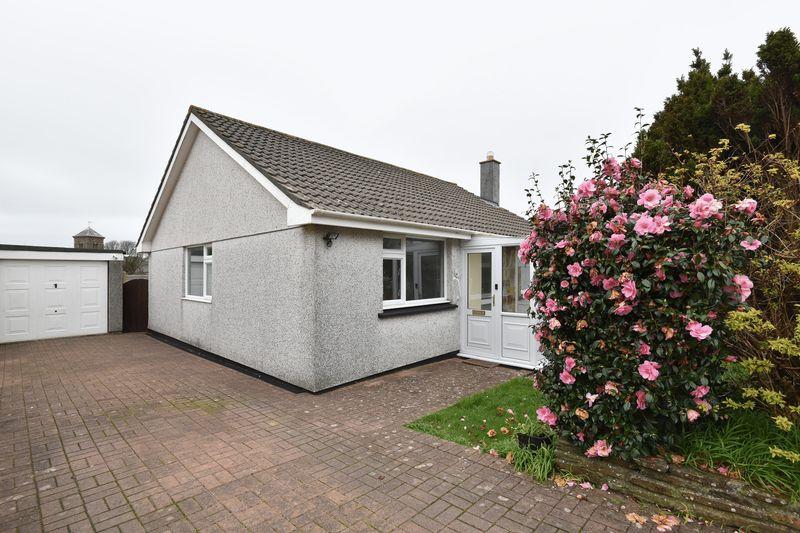 2 Bedrooms Detached Bungalow for sale in Bellever Parc, Camborne