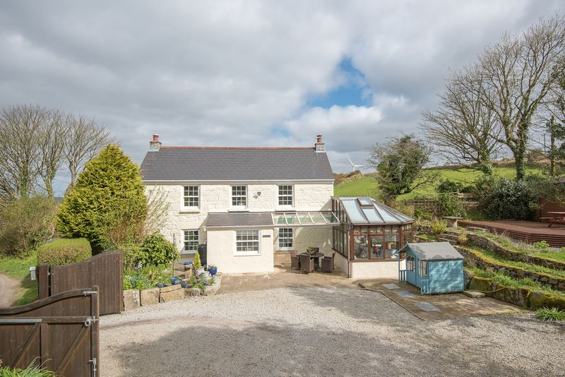 3 Bedrooms Detached House for sale in Herniss, hamlet on the outskirts of Penryn