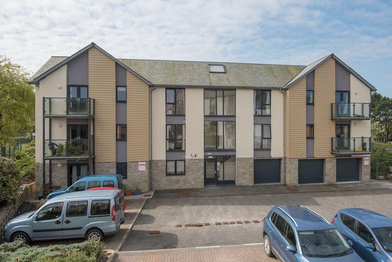 2 Bedrooms Flat for sale in Jubilee Drive, Redruth